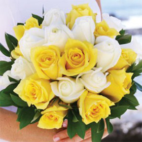 Color tones for all Bridal Rose Bouquets may vary due to ...