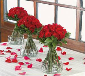 Wedding Table Centerpiece Roses Ruscus 6