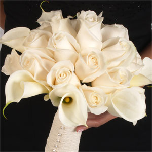 Ivory Roses & White Calla Lilies Bridesmaids Bouquet
